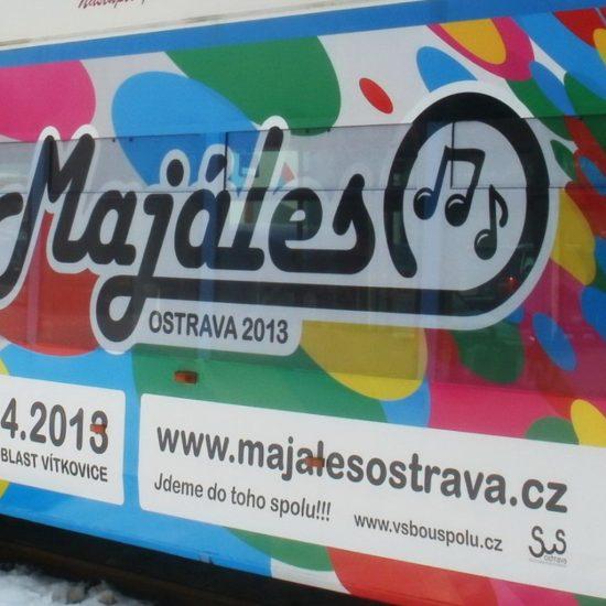 polep tramvaje Majáles